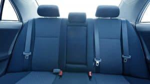 מושב אחורי ברכב