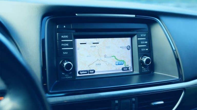 מערכת מולטימדיה באוטו