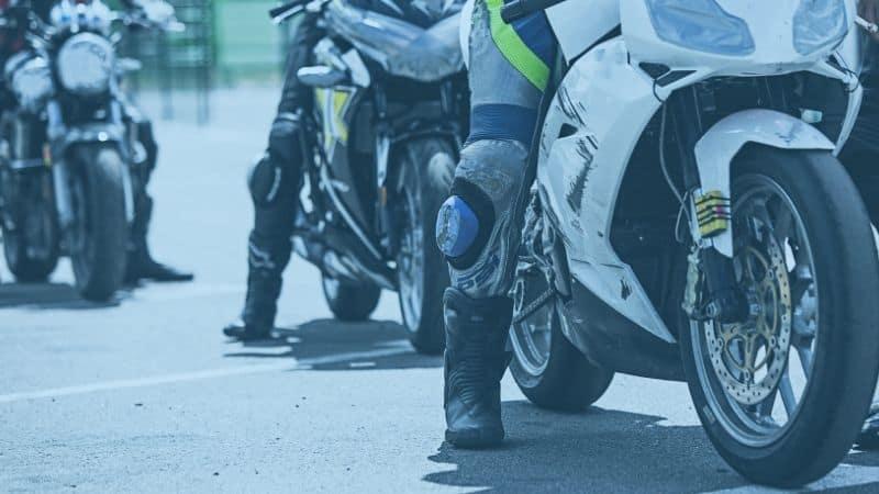 מספר רוכבי אופנוע בתור