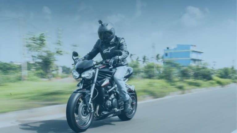 רוכב אופנוע