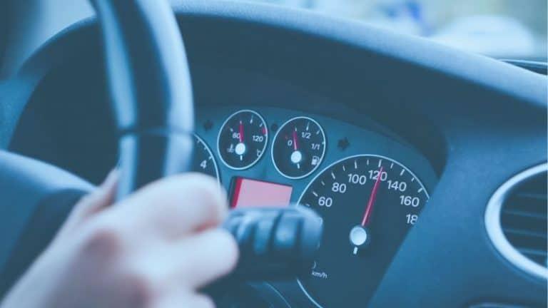 אחיזה בהגה ויסות מהירות